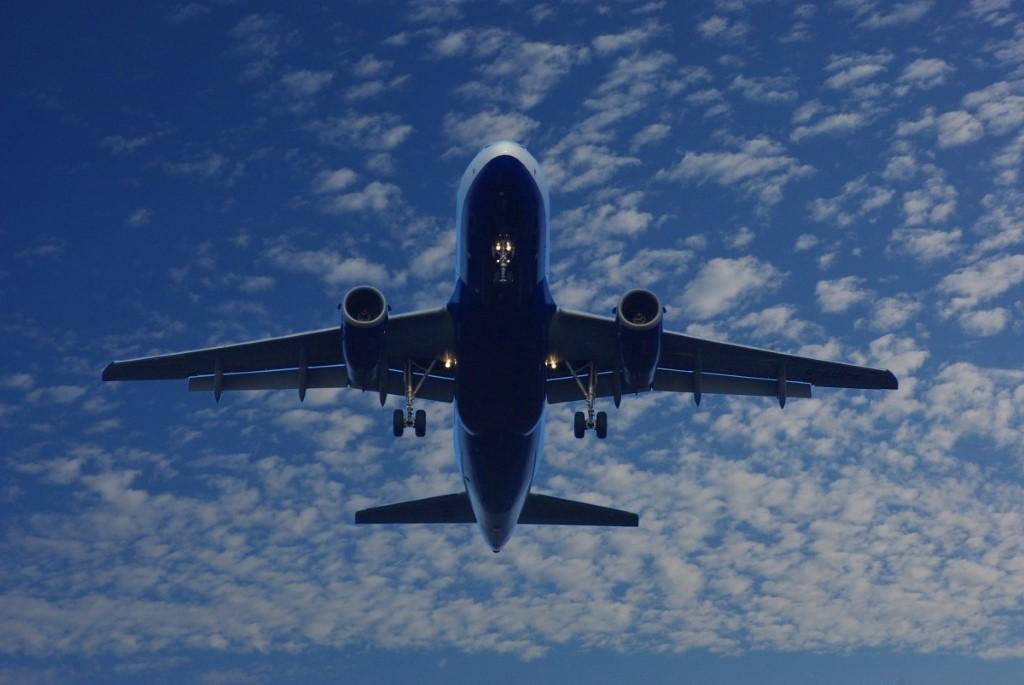 ¿A qué velocidad vuelan los aviones?