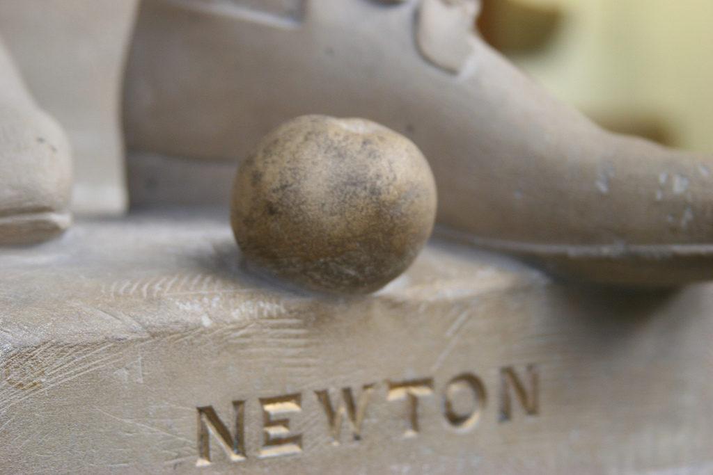 inventos-isaac-newton-simples-extranos-complejos