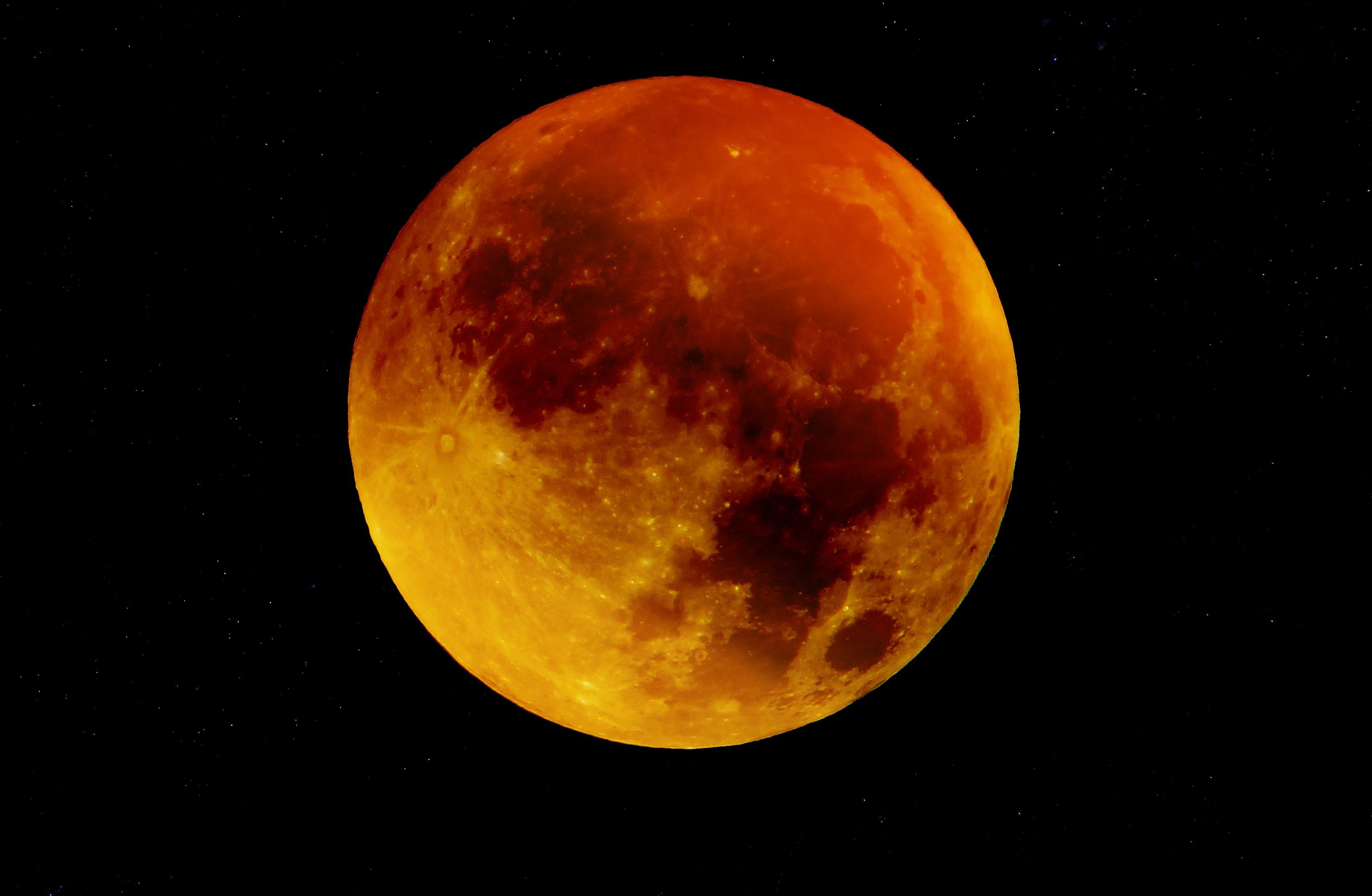 vemos-luna-color-rojo-fenomeno-luna-sangre