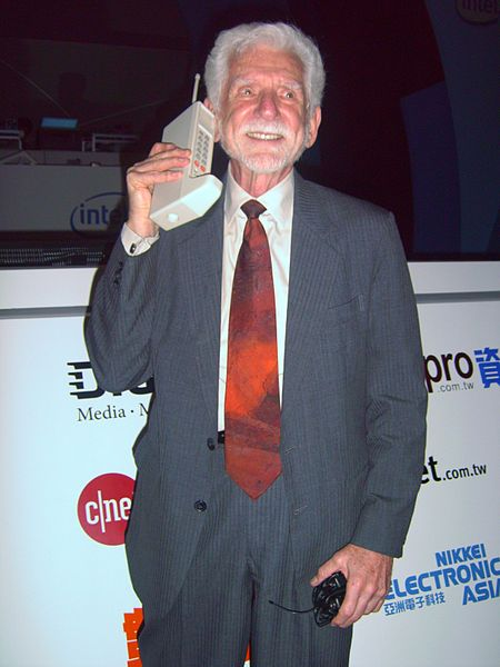quien-invento-primer-telefono-movil