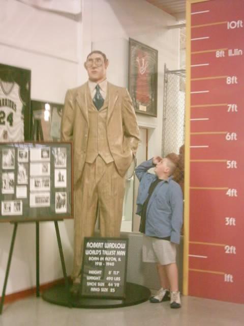 El hombre más alto de la historia