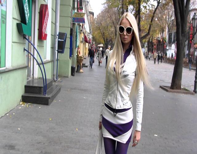 Esta-es-Valeria-Lukyanova-más-conocida-como-la-Barbie-humana