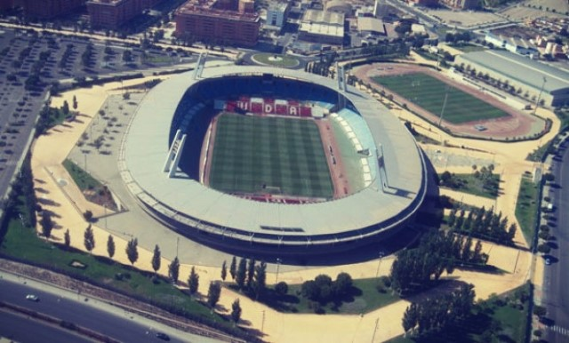 Estadio de los Juegos Mediterráneos en Amlería
