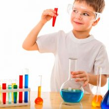 3 experimentos con luz para niños