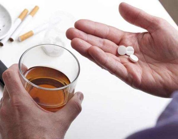 alcohol y antibióticos