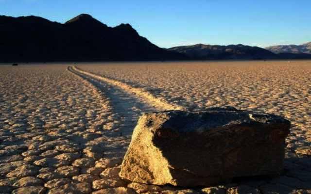 El misterio de las rocas que se mueven
