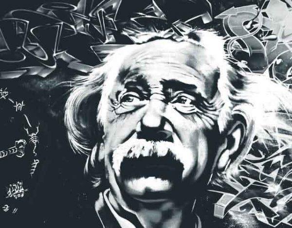 10 frases del tiempo de Albert Einstein