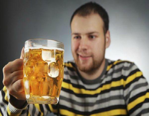 La cerveza hace crecer la barriga