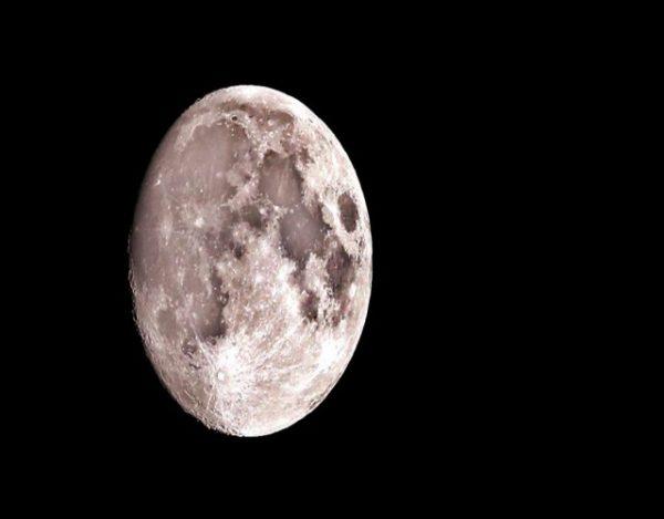 Afecta la luna llena al sueño de los niños