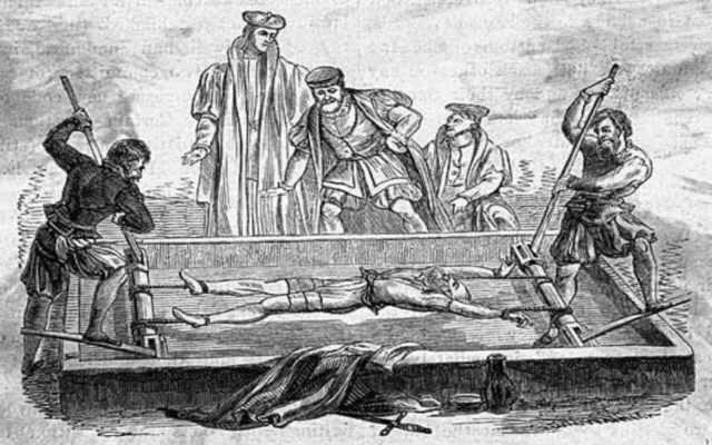Juegos sangrientos de tortura de la edad media