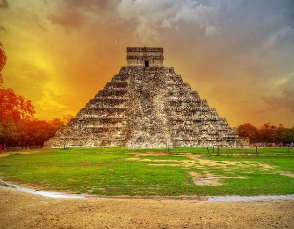pirámides aztecas