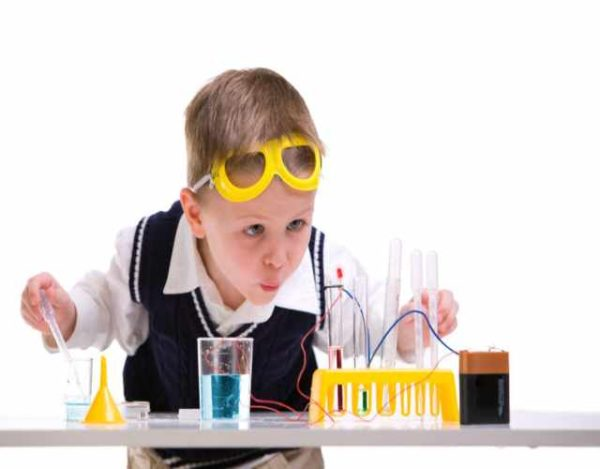 5 experimentos eléctricos para niños