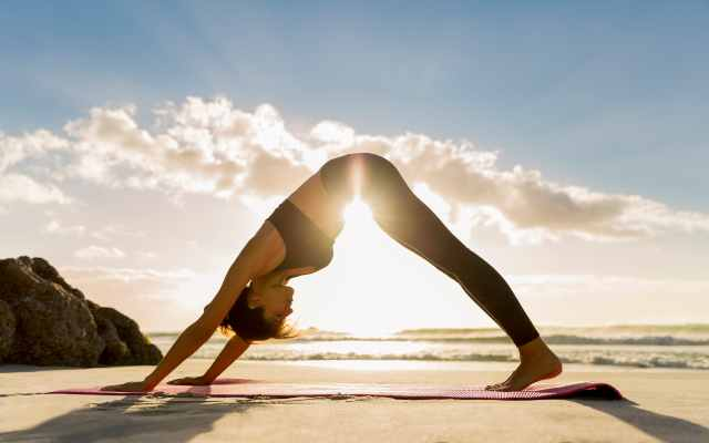 8 Posturas efectivas de yoga para aumentar la fertilidad en las mujeres