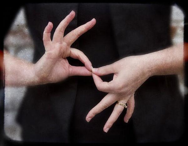 ¿Cómo funciona el lenguaje de señas?