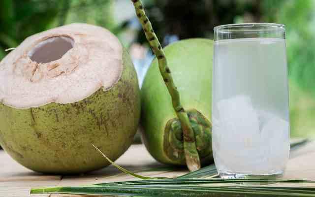 Sabes lo que sucede si bebes un vaso de agua de coco durante 7 días. Es extraordinario