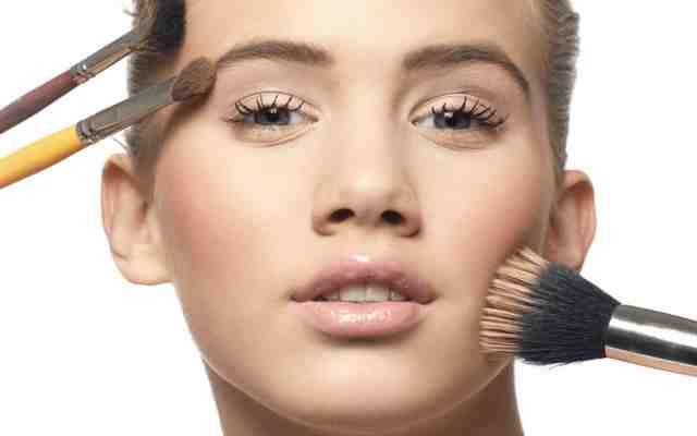 10+ Trucos para aplicar un maquillaje magnífico en un abrir y cerrar de ojos