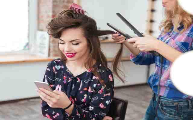 8 Trucos de estilistas para verte más fresca y joven