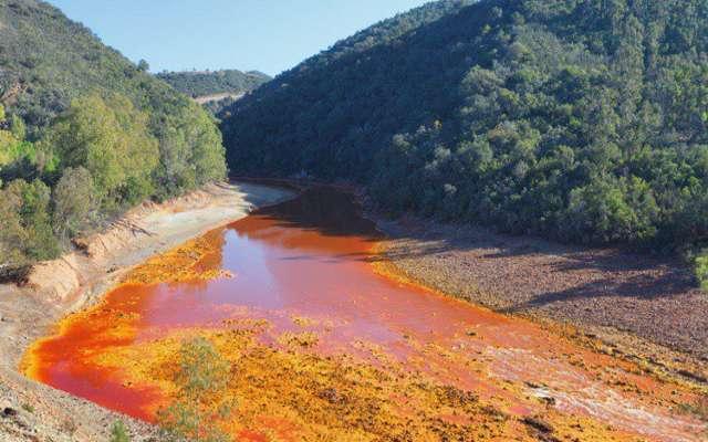 Por qué el rio tinto es de color rojo